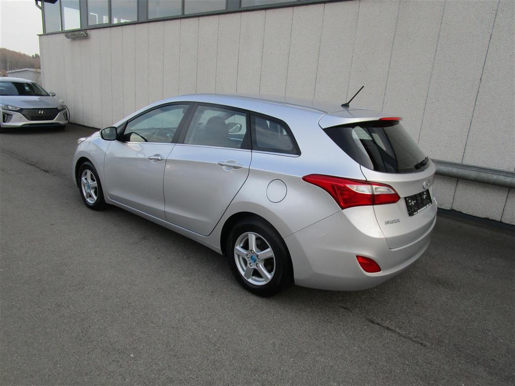 Hyundai i30 Cw 1,6 CRDi Style 128HK Stc 6g Aut.