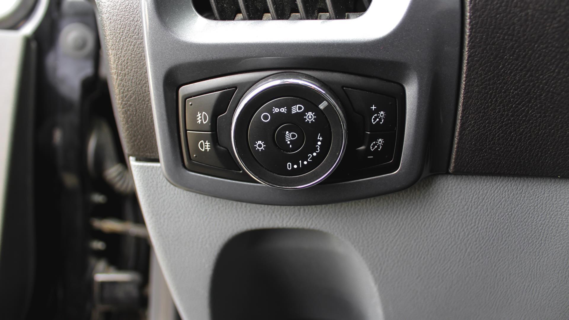 Billede af Ford Transit Custom 330 L1H1 2,2 TDCi Limited 155HK Van 6g