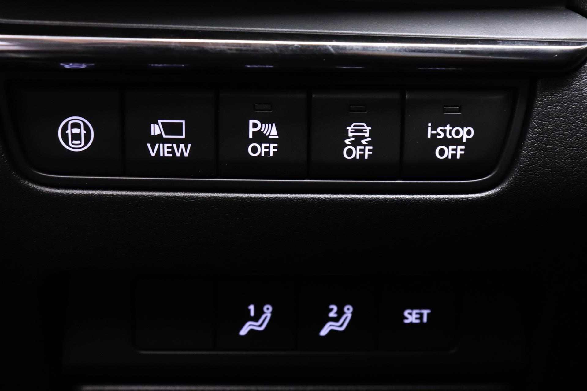 Billede af Mazda 3 2,0 Skyactiv-G Cosmo 122HK 5d 6g Aut.