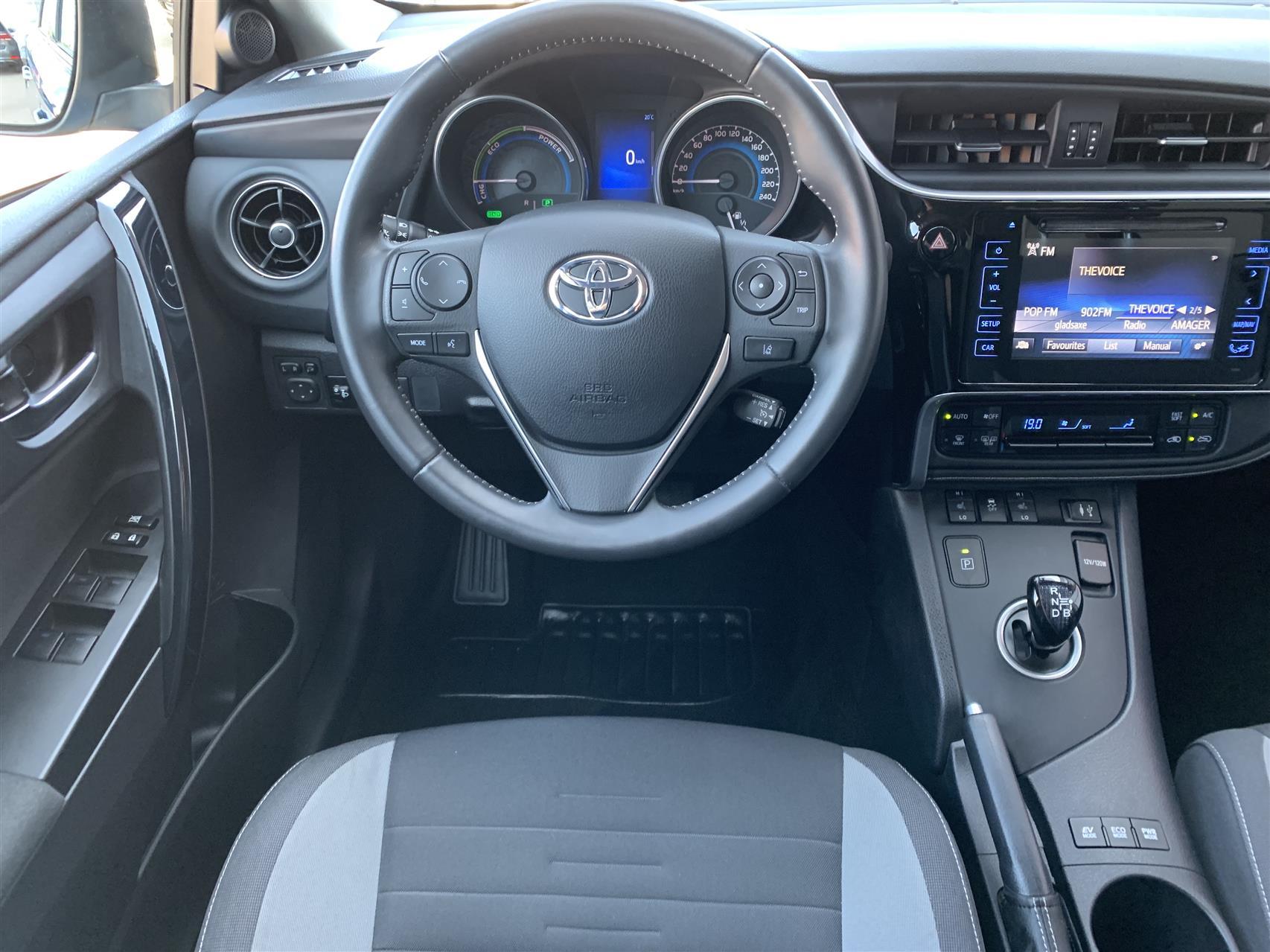Billede af Toyota Auris Touring Sports 1,8 B/EL H2 Comfort 136HK Stc Aut.