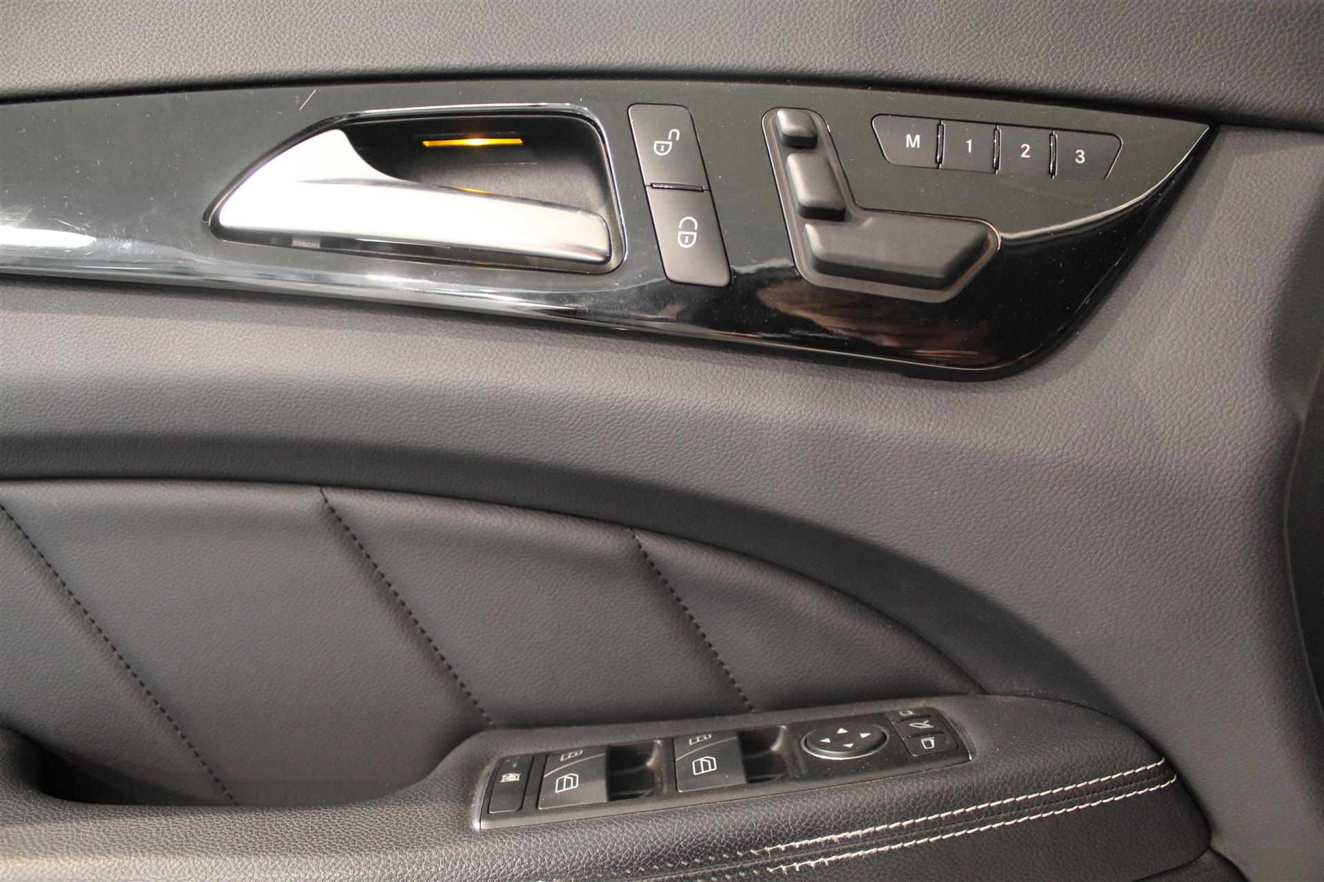 Billede af Mercedes-Benz CLS 350 Shooting Brake 3,0 Bluetec 4-Matic 258HK Stc 7g Aut.