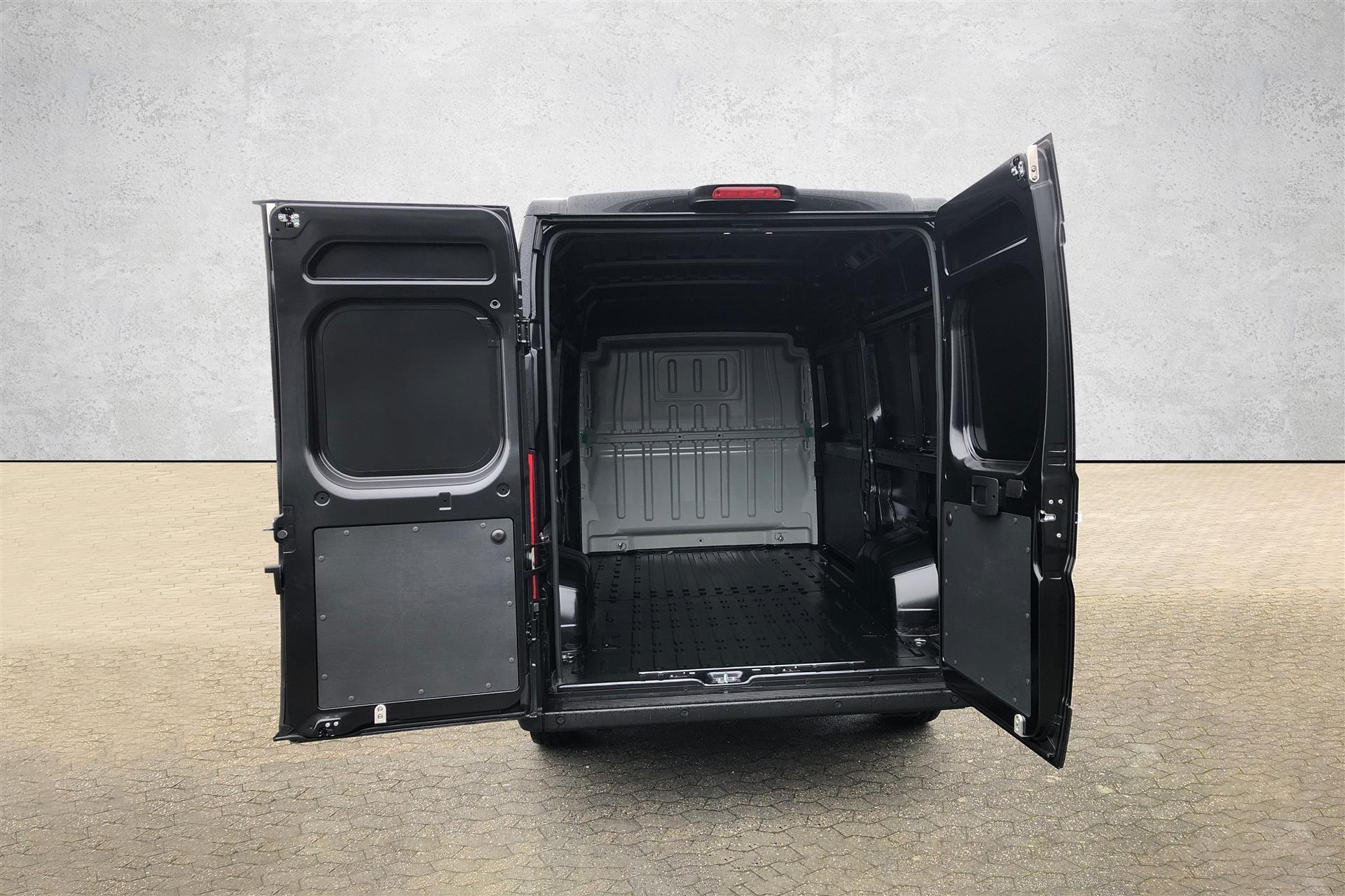 Billede af Fiat Ducato 35 L2H2 2,3 MJT Professional Plus 140HK Van 6g