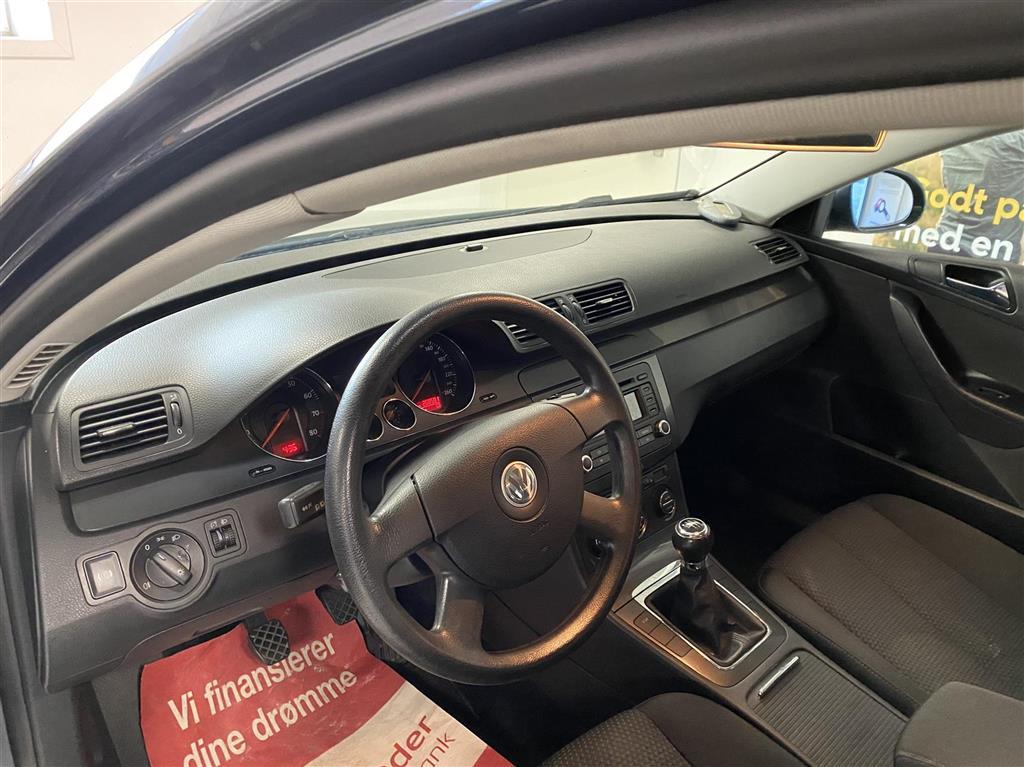 VW Passat Variant 1,6 FSI Trendline 115HK Stc