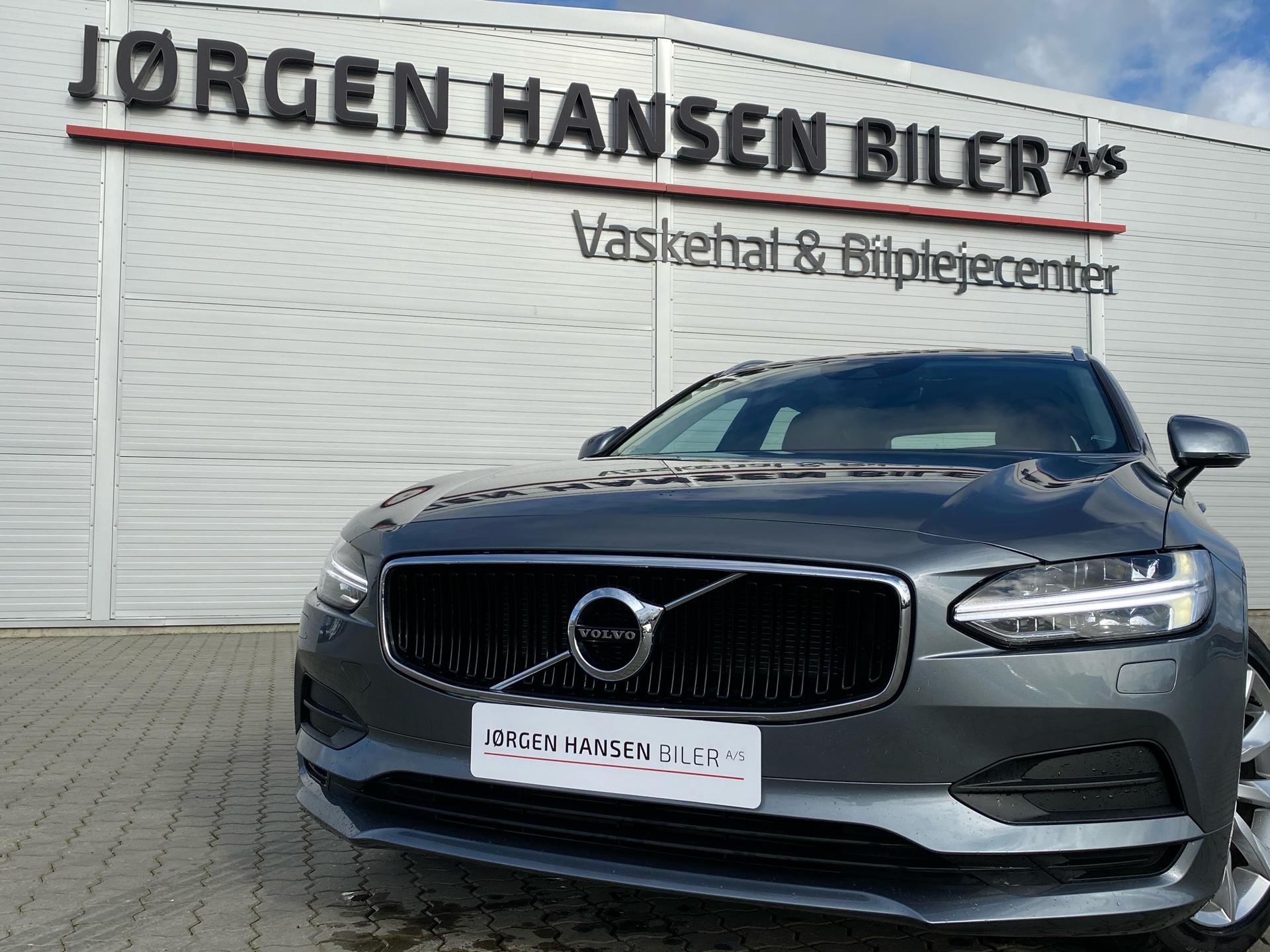 Billede af Volvo V90 2,0 T4 Momentum 190HK Stc 8g Aut.