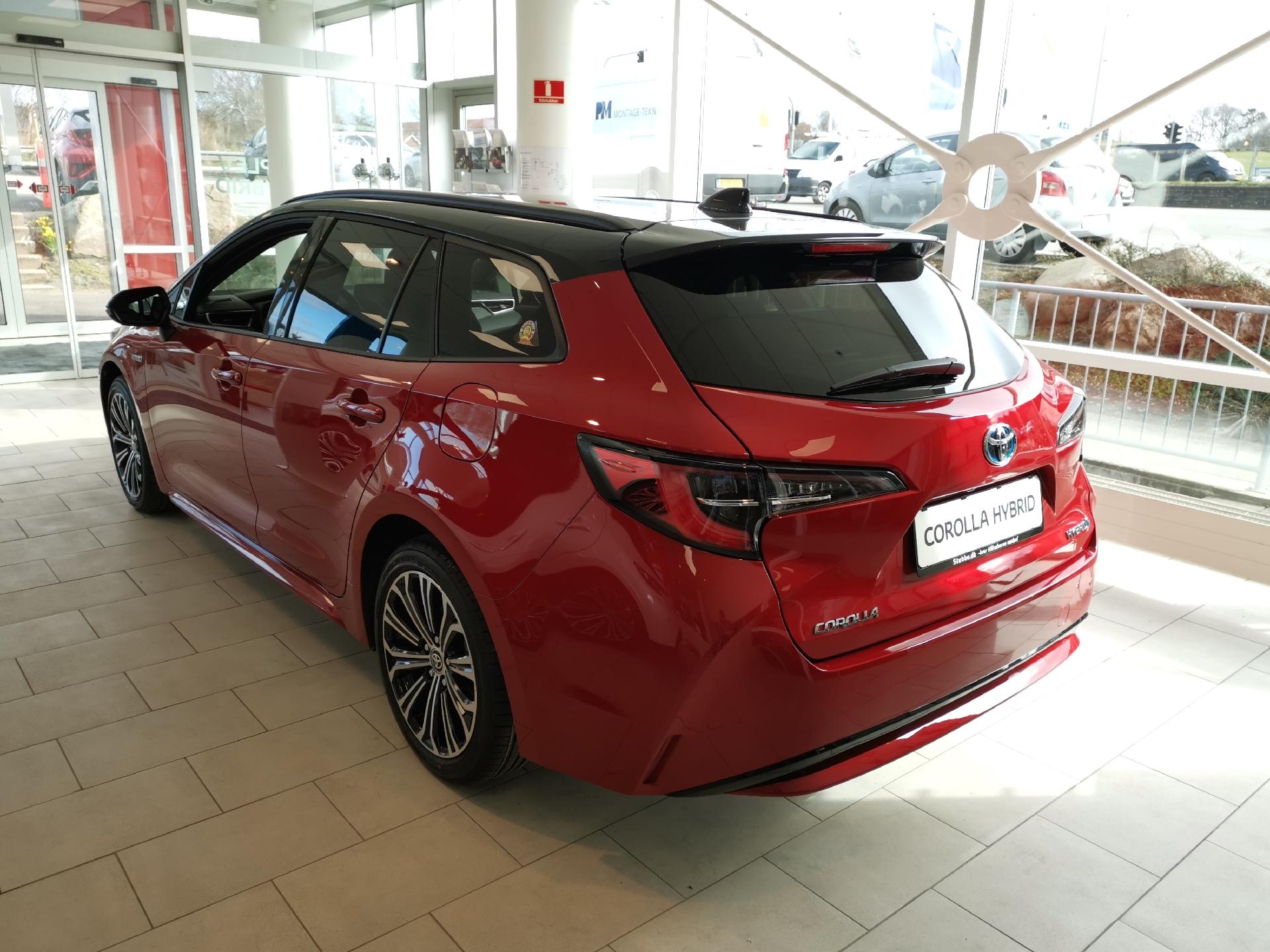 Billede af Toyota Corolla Touring Sports 1,8 B/EL H3 Premiumpakke E-CVT 122HK Stc Trinl. Gear