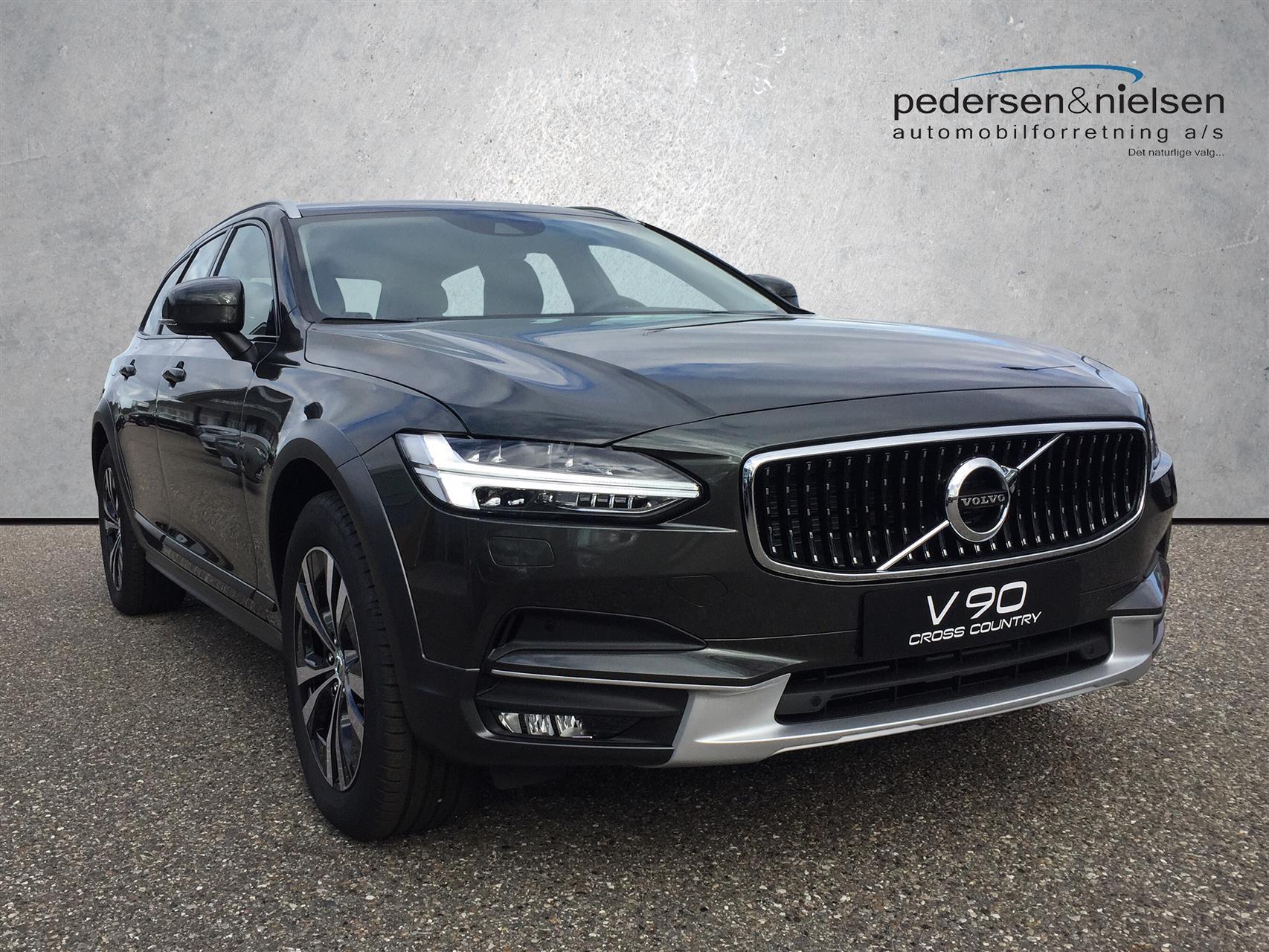 Billede af Volvo V90 Cross Country 2,0 D4 AWD 190HK Van 8g Aut.