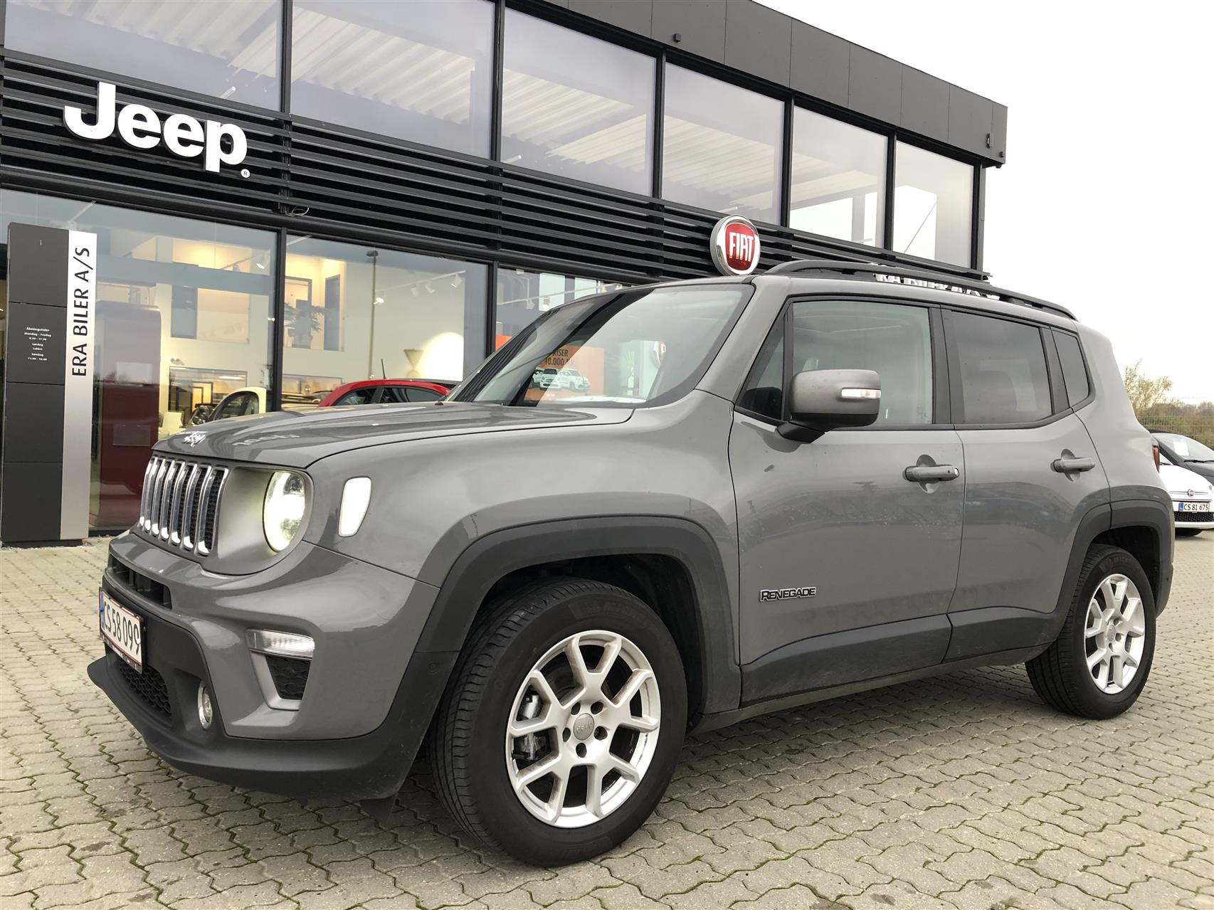 Billede af Jeep Renegade 1,6 MJT Limited First Edition DCT 120HK 5d 6g Aut.
