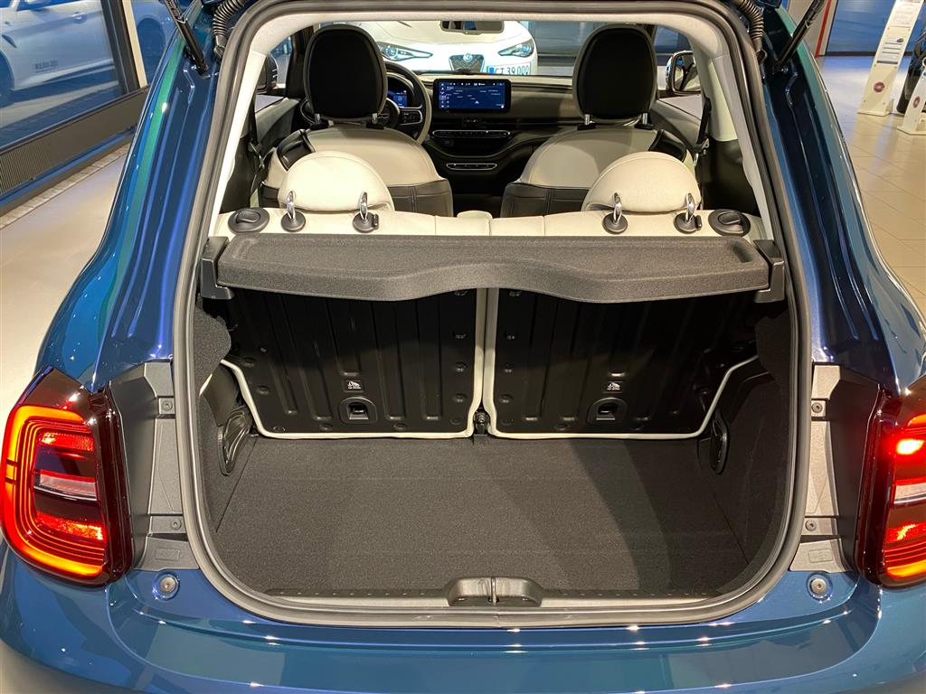 Fiat 500e el EL La Prima 118HK 3d Trinl. Gear