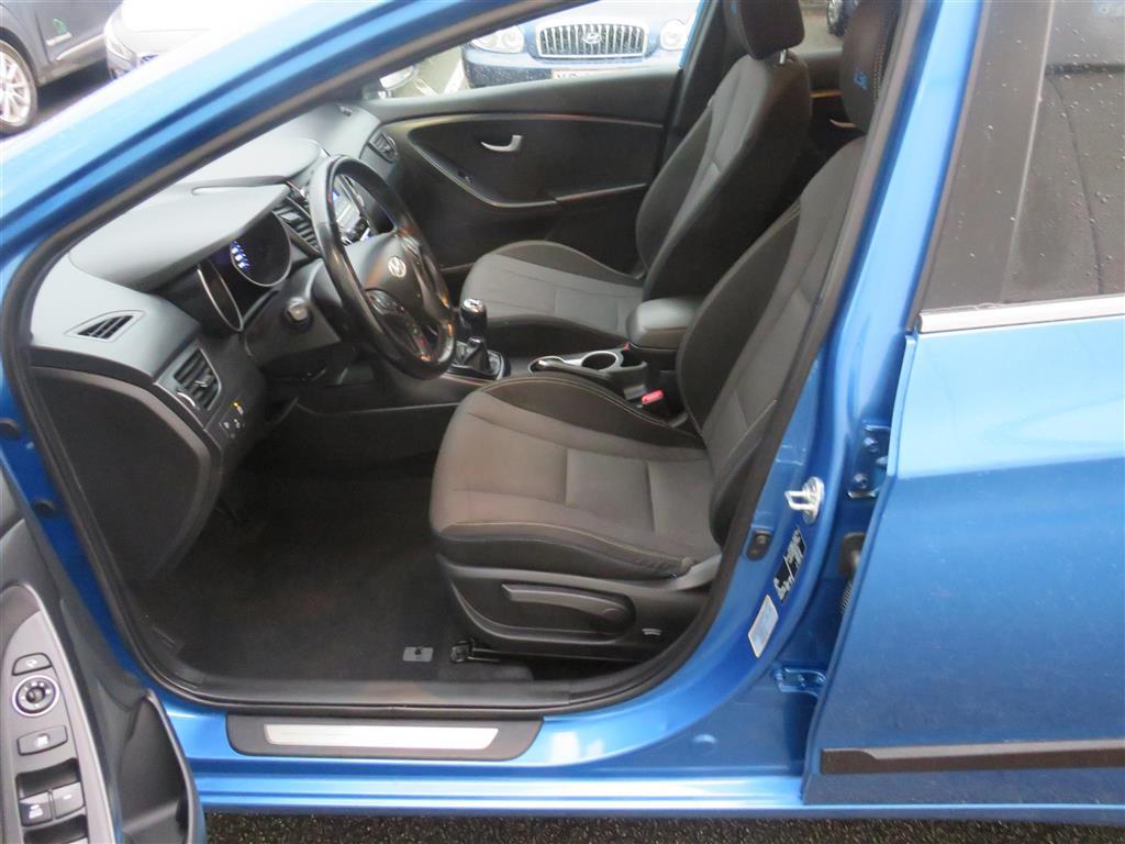 Hyundai i30 Cw 1,6 CRDi EM Edition ISG 110HK Stc 6g