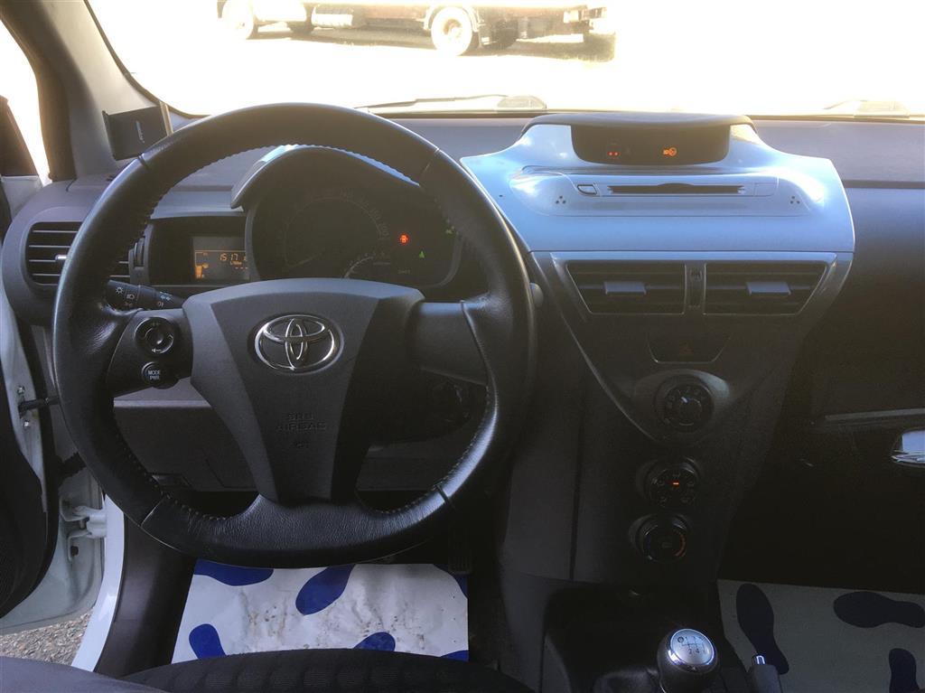 Toyota IQ 1,4 D-4D man.6, 3-dørs 90HK 3d