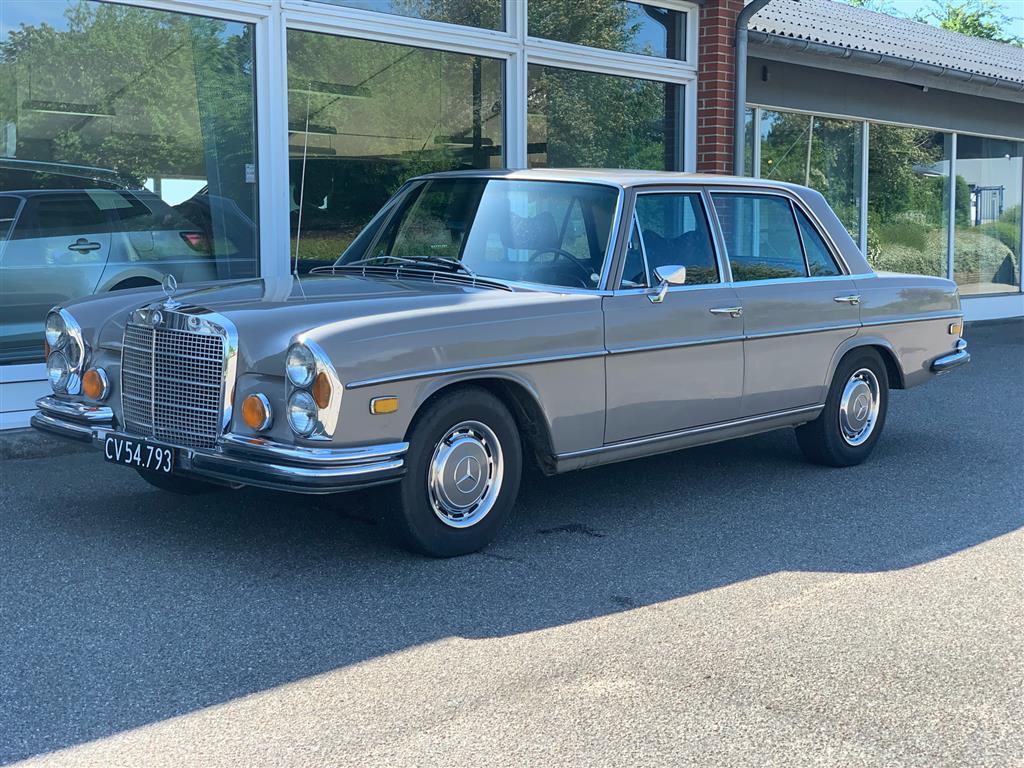 Mercedes-Benz 280SEL 4,5 V8 230HK Aut.