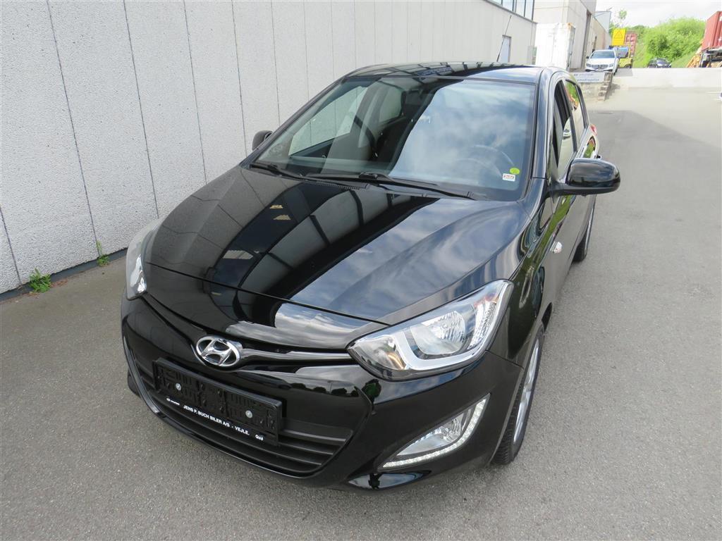 Hyundai i20 1,2 Classic XTR 85HK 5d