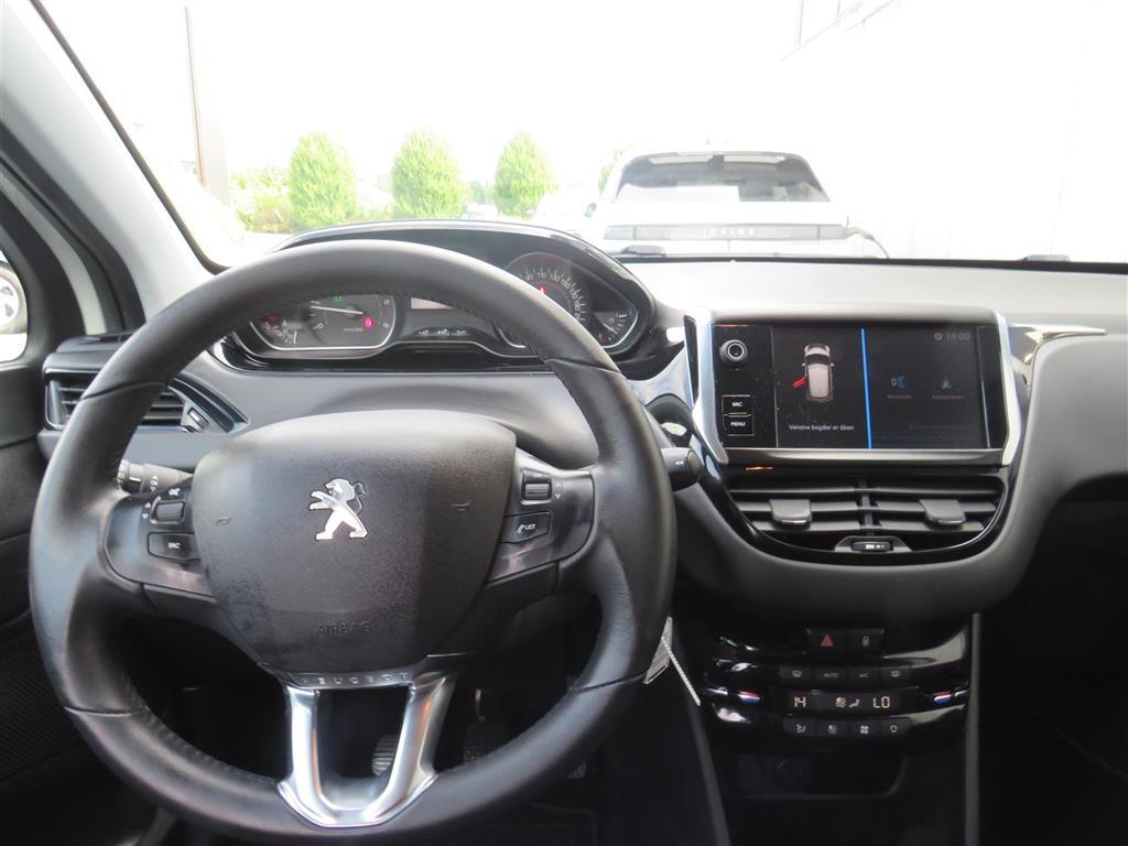 Peugeot 208 1,6 BlueHDi Strike 100HK 5d