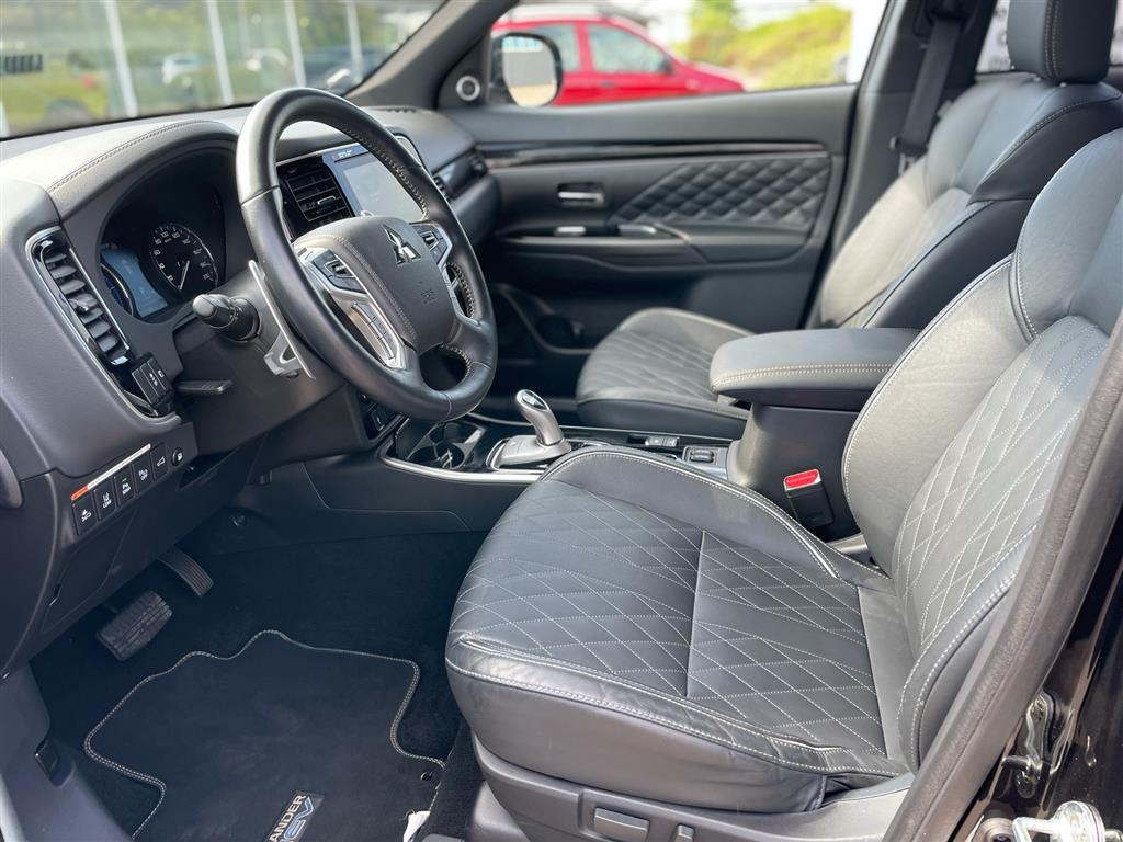 Mitsubishi Outlander 2,4 PHEV Instyle 4WD 224HK 5d 6g Trinl. Gear