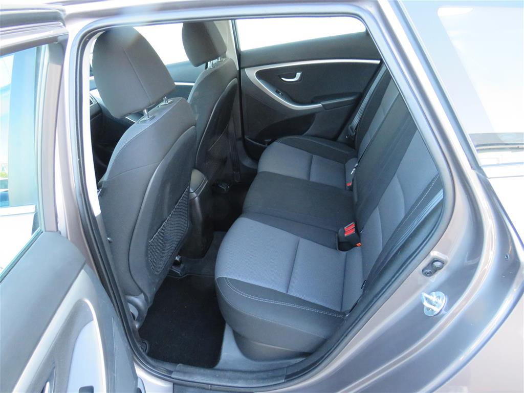 Hyundai i30 Cw 1,6 CRDi Style ISG 110HK Stc 6g