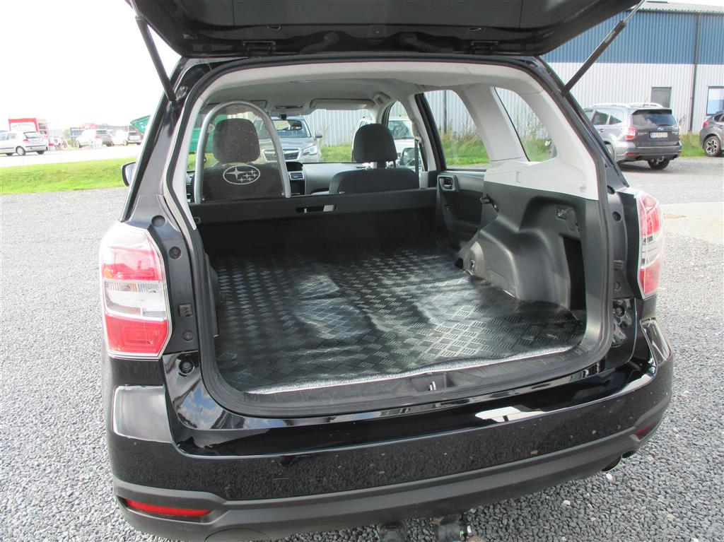 Subaru Forester 2,0 D X AWD Lineartronic 147HK Van Aut.